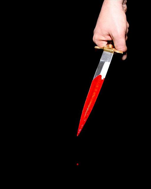 betrayal_knife